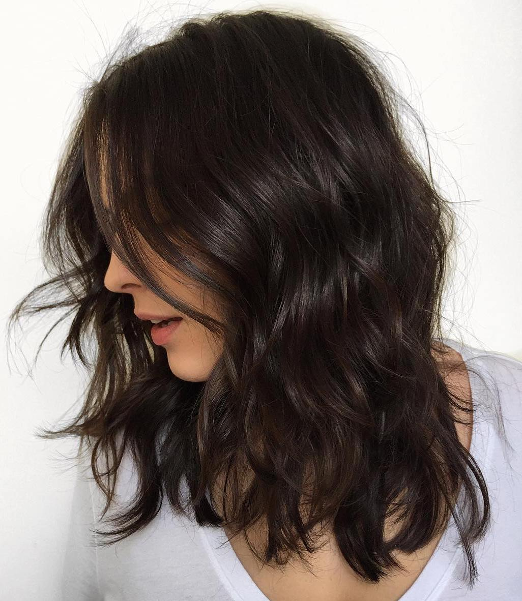 https://cms.tocdep365.vn/wp-content/uploads/2021/06/4-wavy-hairstyle-with-layers-BQAd88bhs87.jpg